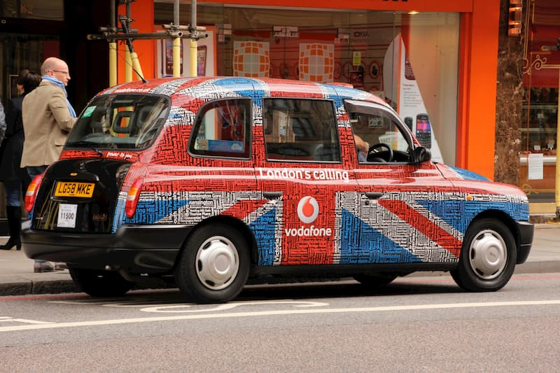Iconic Taxis Around the World - London Black Cab - Chester Taxi Services
