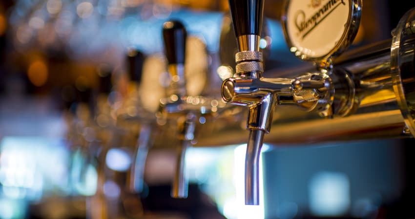 Explore Chesters best bars and pubs - Chester Taxi Services