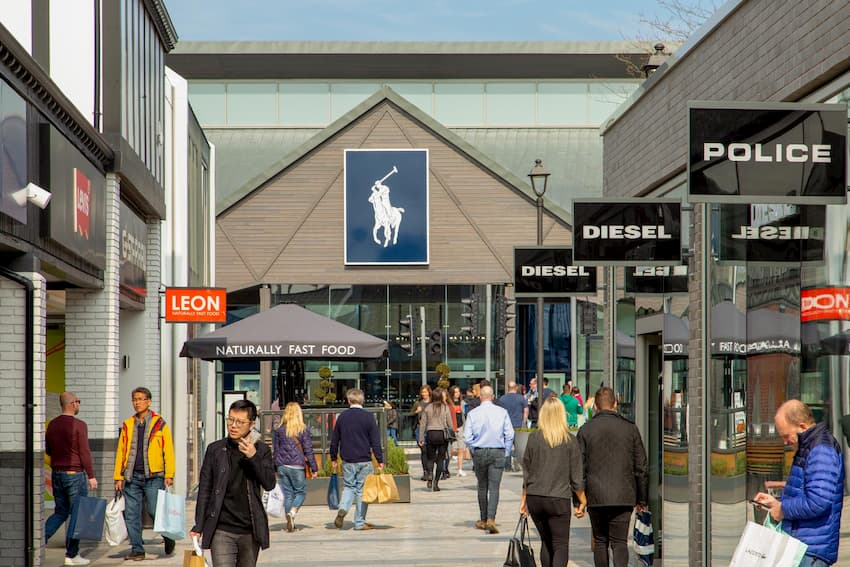Explore Cheshire Oaks Designer Outlet - Chester Taxi Services