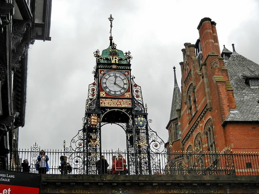Chester City Center  - Eastgate Clock - Chester Taxi Services